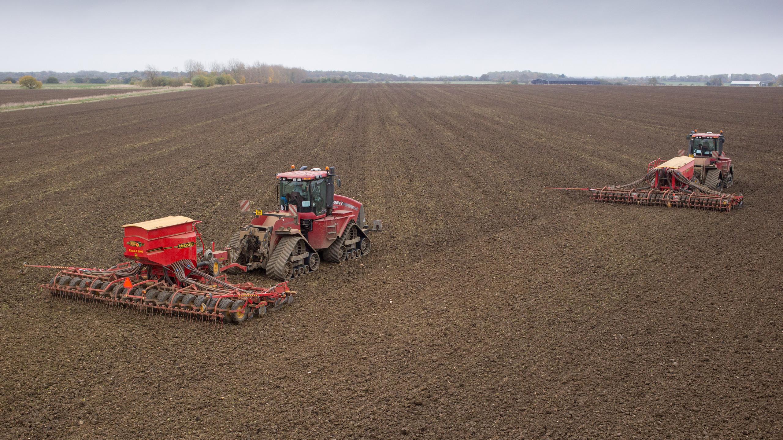 Case Quadtrac 540's - Drilling Winter Crops - Desborough Airfield